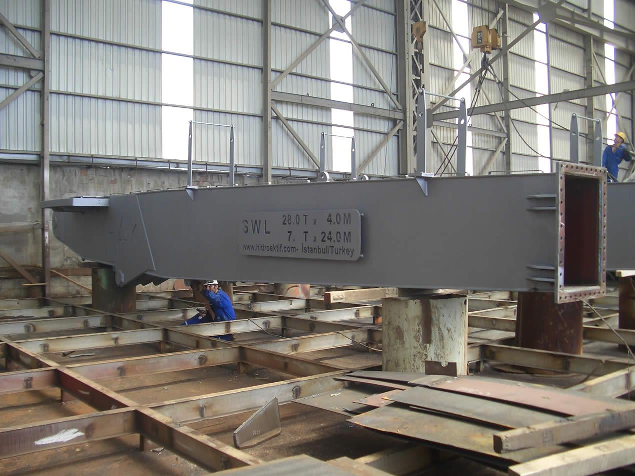 Marine Type Crane